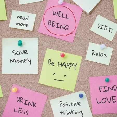 Post it notes with positive phrases
